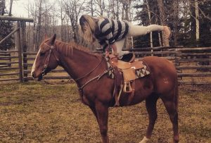 horsebackyoga-fitmovement